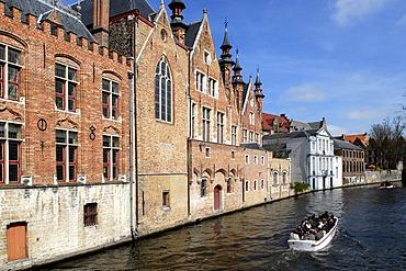 Historic district, Bruges, a UNESCO World Heritage site, West Flanders, Flemish Region, Belgium, Europe