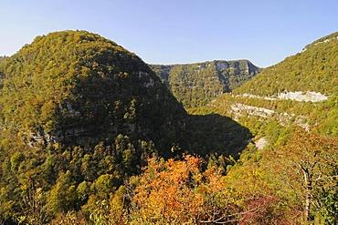 Valley of the Loue River, autumnal landscape, Ornans, Besancon, departement of Doubs, Franche-Comte, France, Europe, PublicGround