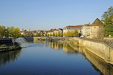 Doubs River, Besancon, department of Doubs, Franche-Comte, France, Europe, PublicGround