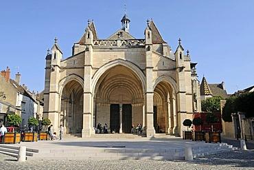 Collegiale Notre-Dame, collegiate church, Beaune, Department of Cote-d'Or, Burgundy, France, Europe, PublicGround