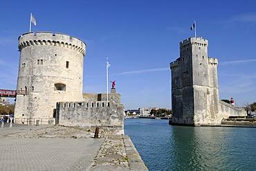 Tour de la Chaine and Tour Saint Nicolas, towers, harbour, La Rochelle, Charente-Maritime, Poitou-Charentes, France, Europe, PublicGround