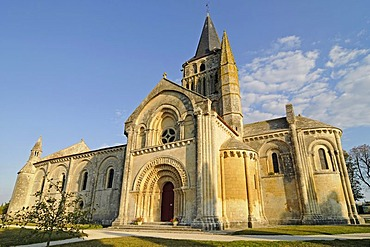Eglise Saint Pierre church, French Way, Way of St James, Aulnay, Charente-Maritime, Poitou-Charentes, France, Europe, PublicGround