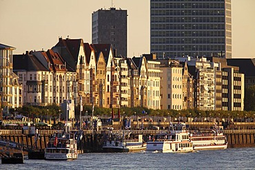 Rhine river bank, old town, Rhine ships, excursion boats on the quay, Duesseldorf, North Rhine-Westphalia, Germany, Europe, PublicGround
