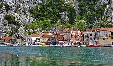 Bay of Omis, Cetina river, central Dalmatia, Dalmatia, Adriatic coast, Croatia, Europe, PublicGround