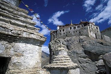 Chorten, Bardan monastery, a Gelugpa monastery, near Padum, Zanskar, Ladakh, Indian Himalayas, Jammu and Kashmir, northern India, India, Asia
