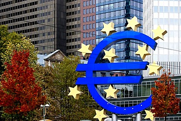 Euro symbol in front of the ECB, European Central Bank, Willy-Brandt-Platz square, Frankfurt am Main, Hesse, Germany, Europe