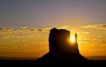 Mesa, West Mitten Butte, sunrise, Monument Valley, Navajo Tribal Park, Navajo Nation Reservation, Arizona, Utah, United States of America, USA