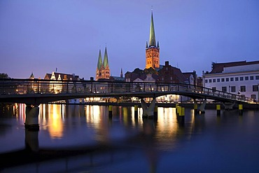 Historic district with the Church of St. Peter and St. Mary's Church, An der Obertrave street, Luebeck, UNESCO World Heritage site, Bay of Luebeck, Schleswig-Holstein, Germany, Europe, PublicGround