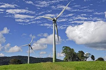 Windy Hill Wind Farm, Windy Hill Volcano, Ravenshoe, Highway 1, Queensland, Australia