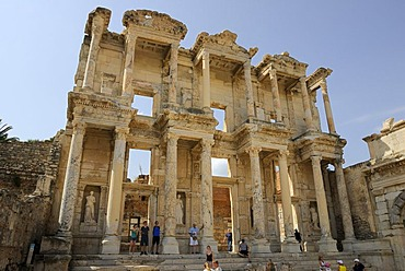Ruins of Ephesus, Efes, excavations, UNESCO World Heritage Site, Library of Celsus, built 135 AD by C Aquila in memory of his father Celsus, Selcuk, Lycia, Southwest Turkey, west coast, Western Turkey, Turkey, Asia Minor, Asia