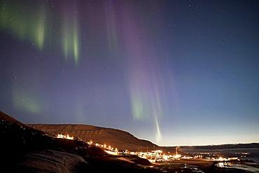 Weak northern lights, aurora borealis, above the town of Longyearbyen, Svalbard, Spitsbergen, Norway, Scandinavia, Europe