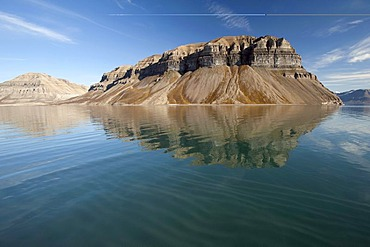 Mt Skansen in Skansbukta, Billefjorden, Isfjorden, Svalbard, Spitsbergen, Norway, Scandinavia, Europe