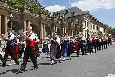 Parade in traditional costume during the Kiliani Festival, Wuerzburg, Lower Franconia, Franconia, Bavaria, Germany, Europe, PublicGround