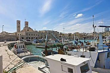 Port of Molfetta and the Cattedrale di Santa Maria Assunta, Molfetta, Apulia, Puglia, Southern Italy, Italy, Europe