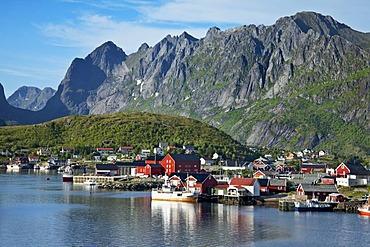 Overlooking the village of Reine, Moskenesoy, Lofoten Islands, North Norway, Norway, Scandinavia, Europe