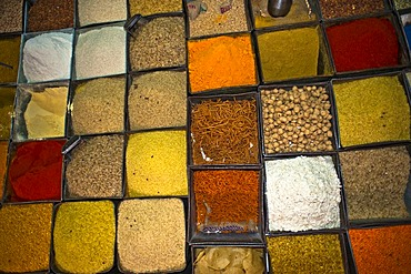 Spices, rice and lentils in a stall, Jodhpur, Rajasthan, India, Asia