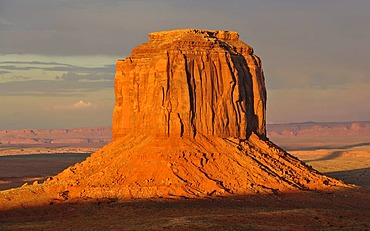 Mesa, Merrick Butte after a thunderstorm in the evening light, Monument Valley, Navajo Tribal Park, Navajo Nation Reservation, Arizona, Utah, United States of America, USA