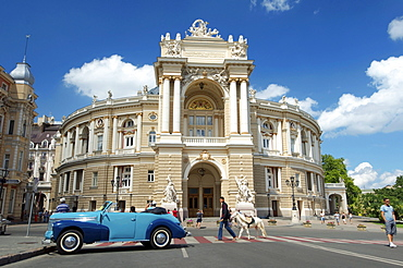 Oldtimer in front of opera and ballet theater, Odessa, Ukraine, Europe