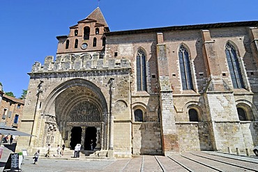 Abbaye Saint-Pierre de Moissac abbey church, Via Podiensis or Chemin de St-Jacques or French Way of St. James, UNESCO World Heritage Site, Moissac, Departement Tarn-et-Garonne, Midi-Pyrenees, France, Europe
