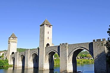 Pont Laventre bridge, River Lot, Cahors, Departement Lot, Midi-Pyrenees, France, Europe