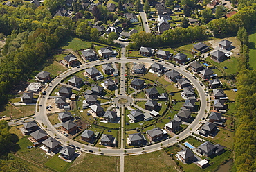Aerial view, circle-shaped housing estate, Ahrensburg, Schleswig-Holstein, Germany, Europe