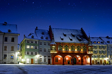 Wintery old town at Christmas time, Muensterplatz square, Freiburg im Breisgau, Baden-Wuerttemberg, Germany, Europe
