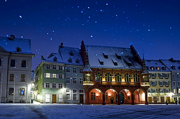 Muensterplatz cathedral square and Christmassy and snowy old town of Freiburg im Breisgau, Black Forest, Baden-Wuerttemberg, Germany, Europe