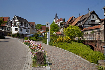 Waldbachstrasse street with the city wall and Liebfrauenkirche Church, Gernsbach climatic spa, Murgtal valley, Black Forest mountain range, Baden-Wuerttemberg, Germany, Europe