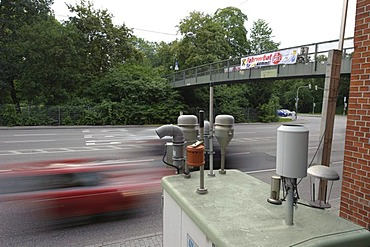 Particulate matter monitoring station, spot station, at Neckartor, B14, Cannstatter Strasse street, the highest PM levels nationwide are regularly measured in downtown Stuttgart, Baden-Wuerttemberg, Germany, Europe