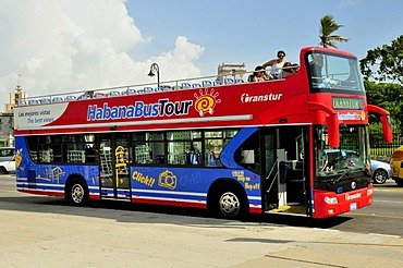 Double-decker bus for sightseeing on the Malecon esplanade, old town Habana Vieja, Havana, Cuba, Caribbean