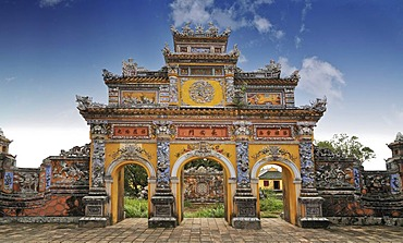 North Gate or Hoa Binh Gate, Hoang Thanh Imperial Palace, Forbidden City, Hue, UNESCO World Heritage Site, Vietnam, Asia