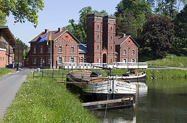 Historical hydraulic boat lift No. 3, Canal du Centre, UNESCO World Heritage Site, Province Hainaut, Wallonia or Walloon Region, Belgium, Europe