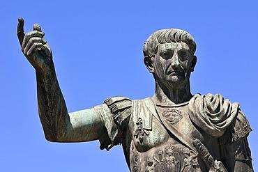 Mperor Julius Caesar, bronze statue, Via dei Fori Imperiali, Rome, Lazio, Italy, Rome