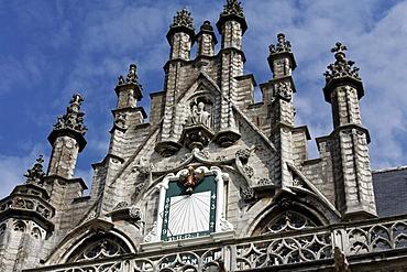 Sundial at the historic Stadthuis town hall, Middelburg, Walcheren, Zeeland, Netherlands, Europe