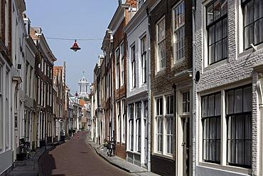 Typical alleyway, historic town centre, Middelburg, Walcheren, Zeeland, Netherlands, Europe