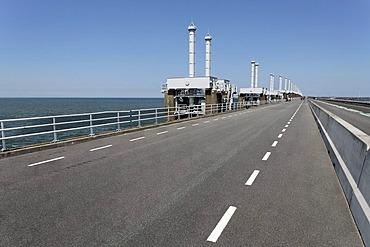 Road on the storm-surge barrier between Oosterschelde or Eastern Scheldt and the North Sea, Zeeland, Netherlands, Europe