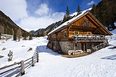 Alpine cabin, Lercher Alm alp in Oberwielenbach, Percha, Bruneck, Puster Valley, Pustertal, Val Pusteria, province of Bolzano-Bozen, Italy, Europe