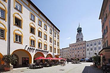 Nepomuk-Fountain, Bergmeister Haus, Heilig-Geist-Strasse street, Max-Josefs-Platz square, Rosenheim, Upper Bavaria, Bavaria, Germany, Europe, PublicGround