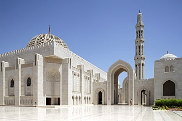 Square with pointed arch, gate, minaret, dome, Sultan Qaboos Grand Mosque, Muscat capital, Sultanate of Oman, gulf states, Arabic Peninsula, Middle East, Asia