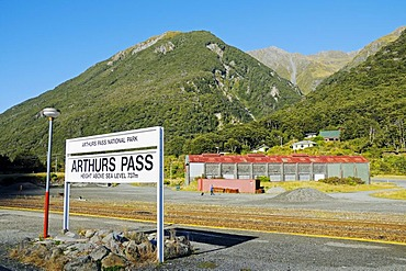 Arthurs Pass train station on the TranzAlpine railway line, Trans-Alpine of Kiwi Rail in the Southern Alps, South Island, New Zealand
