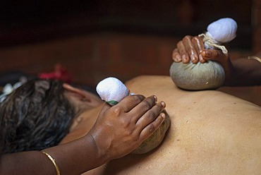 Ayurvedic treatment, Ayurvedic Health Resort Somatheeram, Chowara, Malabar Coast, South India, India, Asia
