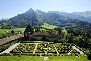Gardens of Chateau de Gruyeres castle, Gruyeres, Fribourg, Switzerland, Europe