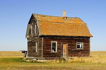 Old abandoned house in the Prairies, Saskatchewan, Canada