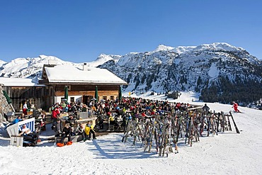 Rud-Alpe mountain lodge, restaurant, skier, Lech am Arlberg, Vorarlberg, Austria, Europe