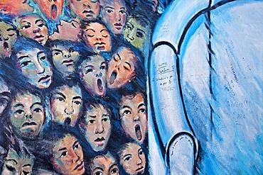 Crowds of people breaking through the Berlin Wall, painting, mural, Berlin Wall, East Side Gallery, Berlin, Germany, Europe