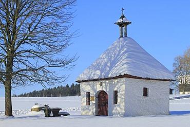 "Marienkapelle, chapel to our Lady, ""woman's house"", in winter against a blue sky, Lindlar, Bergisch Land region, North Rhine-Westphalia, Germany, Europe"