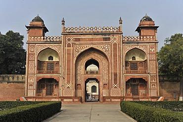 Mausoleum of Itmad-ud-Daulah, Uttar Pradesh, North India, India, Asia