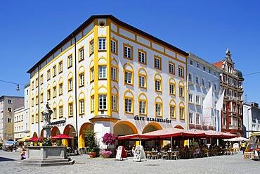 Max-Joseph-Platz square, Rosenheim, Upper Bavaria, Bavaria, Germany, Europe