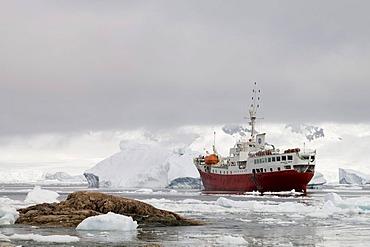 Antarctic Dream ship, Neko Harbor, Gerlache strait, Antarctic Peninsula, Antarctica