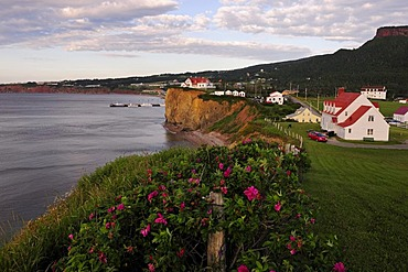 The village of Perce on the gulf of the St. Lawrence River, Gaspe peninsula, Gaspesie, Quebec, Canada